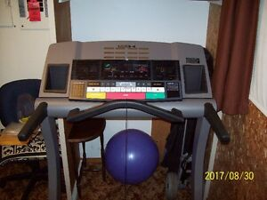 Reebok RX6200 Treadmill (like new) Name Brand/Quality