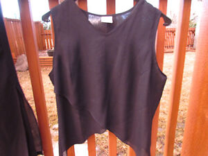 2-piece in navy-flowy pants with sleeveless top -mint-size 12/14 Strathcona County Edmonton Area image 2
