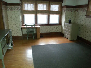Room for Rent (2 available)