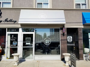 Business for sale:Very profitable Barber shop/ Hair salon