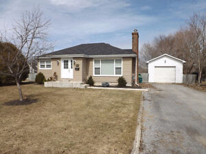 Perfect bungalow for 1st time buyer or retiree! 226 Arnold St
