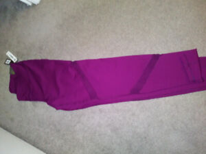 BRAND NEW OLD NAVY XL GO DRY WORKOUT PANTS W/MESH CUTOUTS