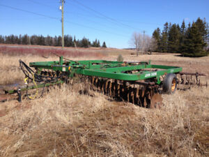 John Deere Disc harrows