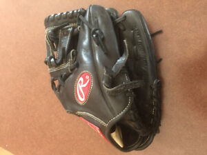 Leather black Rawlings Gamer baseball glove 11""