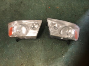 Ford F-150 Head lights (2005-2009)
