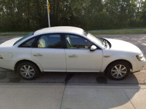2009 Ford Taurus | New Tires | New Windshield