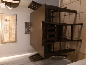 Pub height dining table and 4 matching chairs