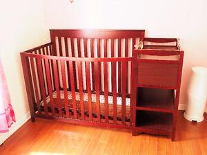 Cherry baby crib / Bassinette pour bébé couleur cerise