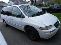 1998 Chrysler Town & Country LXi Minivan, Van