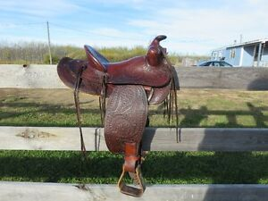 "14"" western saddle with 6"" gullet"