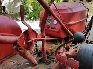 MASSEY Harris  30 HP GAS TRACTOR only $ 2400 Kingston Kingston Area image 4