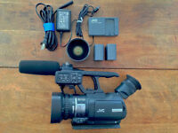 JVC video camera - GY-HM100u