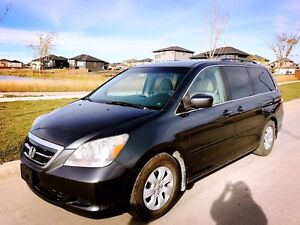 2006 Honda Odyssey Ex 8 passengers in mint condition for sale!