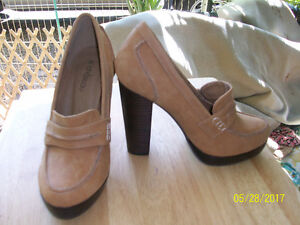 Ladies Tan suede high heels