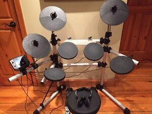 Univox DD402 Electronic Drum Pad Kit with 10 drum kit presets