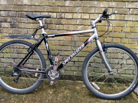 Specialized comp - serviced - great condition