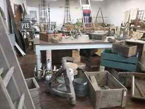 Canada's largest antique mall 600 booths to explore  Kawartha Lakes Peterborough Area image 9