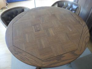 Vintage- wood table with 4 chairs / table en bois avec 4 chaises Gatineau Ottawa / Gatineau Area image 4