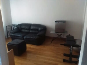 Room in House -Yard -Working or Student All Inclusive