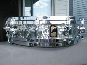 Snare Mapex Black Panther 3¼ x 14 Hammered Stainless