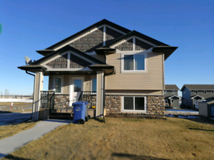 Immaculate 3 bedroom home for rent in Penhold