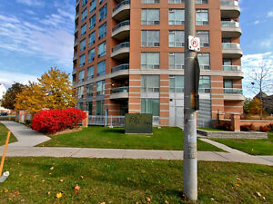 Penthouse Condo in Thornhill with Stunning Views