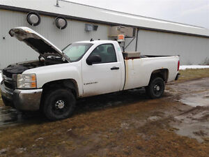 Truck Cab - 2dr Regular -2008 2009 Silverado Sierra 2500HD White Peterborough Peterborough Area image 2
