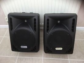 Speakers for live work 700 watts active EQ , volume controls mike/line inputs
