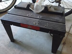 Craftsman router and table