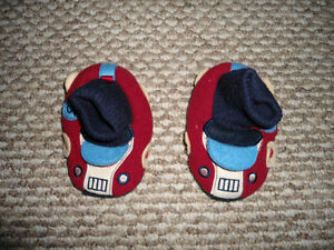 NEW - never been worn Joe Fresh Slippers - size M