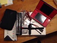 Nintendo DSI XL avec accessoires et jeux (2 consoles inclues)
