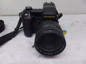 Olympus Camedia E-20p 5.0 MP Digital SLR Camera - Black