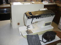 Singer Athena 2000 Sewing Machine, with Carrying Case.
