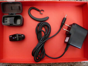 Bluetooth Cell Phone Headset - VG Condition