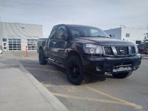 Parting Out 2004 Nissan Titan SE Pickup Truck