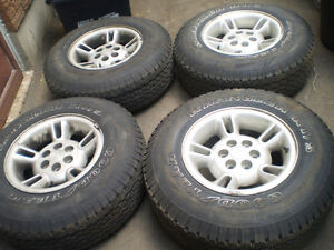 4Goodyear Wrengler RT/S  P235/75/R15 with alloy rims