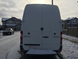 Mercedes Benz 2011 sprinter van