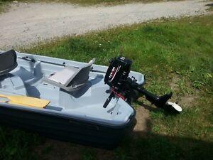 basshound 10.2 boat with motor