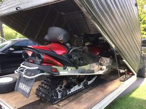 Snowpro Double trailer with Yamaha venture GT 2009 negociable