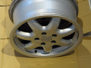 4 MAGS AUDI VW 16 INCH 16 POUCE 5X112 + 4 NEW VALVES   NO TEXT