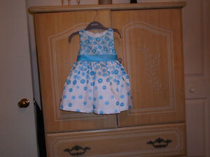 Lots Little Girls Dresses For Sale.Just Like New Cond...