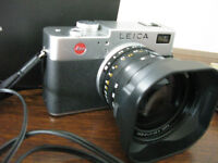 LEICA Digilux 2 digital camera - as new, $1250 firm
