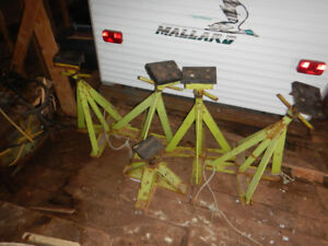 Heavy duty boat wheels and stands