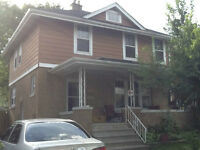 All-inclusive, spacious house 5 Blocks From the University
