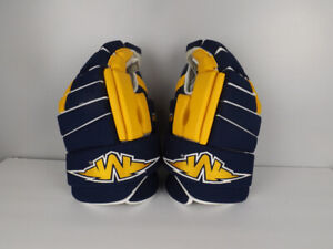 """Mission L7 Pure St. Louis Blues Pro Stock 14-15"""" Hockey Gloves"""