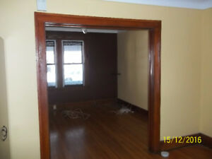 Large Ground floor 2bedroom utilitys included