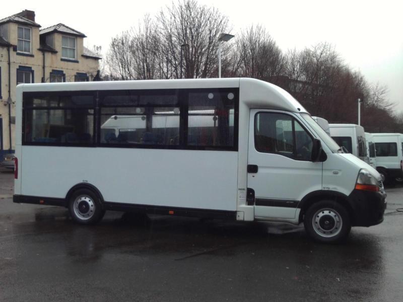 Leisure Travel Vans For Rent >> RENAULT MASTER AUTOMATIC 15 SEAT LOW FLOOR STEP ENRTY WELFARE BUS COIF PSV   in Sheffield, South ...