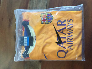 Men's medium 2nd fc Barcelona jersey with shorts