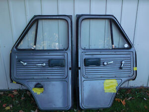1971-95 GMC or Chevy Doors Front, left and right London Ontario image 5