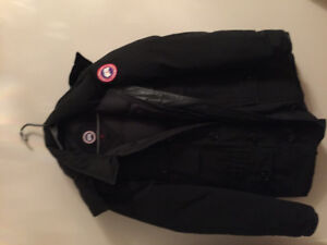 Canada Goose Banff Parka Sz: M used 8/10 condition